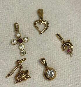 5 Genuine 9ct Stamped Charms with Ruby 375