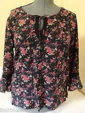 NOTATIONS CLOTHING CO. LADIES SIZE MEDIUM CRINKLE FABRIC BLOUSE/TOP-ROSES-EUC