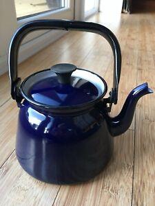 Blue Enamel Kettle 2.5 pints