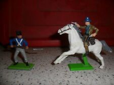 Britain's Detail  - Sheriff riding with 2 pistols And French Soldier