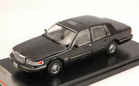 Model Car Scale 1:43 PremiumX Lincoln Town Car diecast vehicles