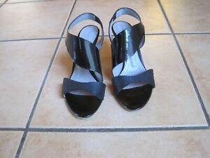 Sandalen von Baldinini. Elegant und extravagant. Schwarz. Leder. Gr. 37.