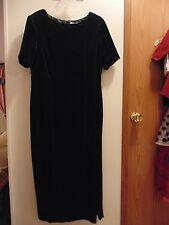 Bently Womens 16W full length short sleeved Dark  Green Velvet like Dress