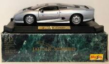 Véhicules miniatures 1:12 Jaguar