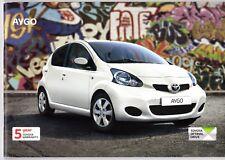TOYOTA AYGO 2011 UK Opuscolo Vendite sul mercato standard + Ghiaccio Go!