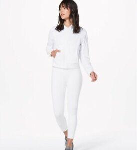 Lululemon Bomb Around Reversible Jacket White/Grey Women's Sz 4 Floral Print