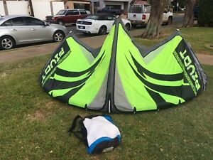 Naish Pivot 8m Kite! All New Bladders. For Kitesurf Kiteboarding.