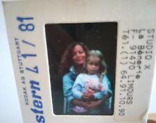 P03 Romy SCHNEIDER et petite fille SUPERBE diapo - Stern 1981