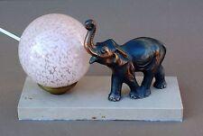 Lampe régule ÉLÉPHANT TROMPE EN L'AIR sur marbre ancien bureau art déco Spelter
