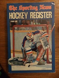 1988 - 1989 HOCKEY REGISTER BY THE SPORTING NEWS GRANT FUHR EDMONTON OILERS