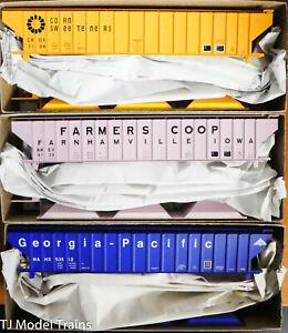 Accurail #8127 (3-Pack) Pullman Standard (GP, Farmers Co-Op, Corn Sweeteners)