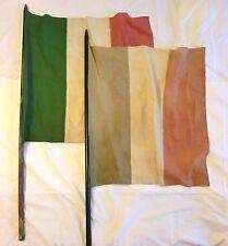 """Coppia Antiche bandiere italiane""""Tricolore""""con aste originali–Anni '40–RIBASSATO"""