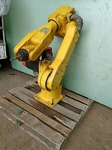 Fanuc Robot S-6 Robotic Arm