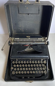 Vintage ROYAL Model O Touch Control Portable Typewriter With Case 1930's