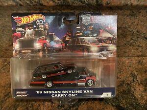 1/64 Hot Wheels Team Transport '69 Nissan Skyline Van Carry On
