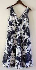 Jacqui E Women's Size 10 S Blue & White Floral V Neck Cotton Dress