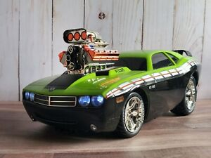 Ridemakerz Chip Foose 2008 Dodge Challenger SRT8 Signed 1:16 Plastic Model Car