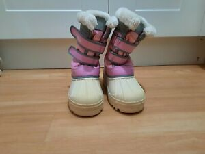 Girls Campri Pink fur top, Fleece-lined Snow Boots size 3 Excellent condition