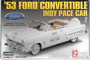 Lindberg 1953 Ford Convertible Indy Pace Car in 1/25 72321