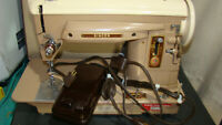 Vintage Singer 404 Slant Needle Sewing Machine w Original Case, Tested & Working