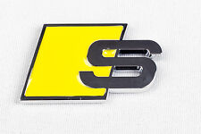 "AUDI ""S"" Badge Emblema Logo Giallo Decalcomania Decorativo Boot s5 s3 s4 S Line-as2"