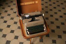 Zeta Portable Vintage Typewriter