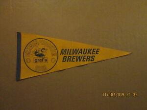 MLB Milwaukee Brewers Vintage Brewer Booster Club graf/s Logo Baseball Pennant