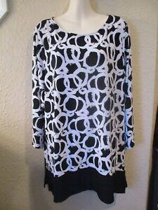 SUSAN GRAVER XL+ Black/White Abstract Circles Liquid Knit 3/4 Slve Tunic Top