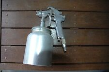 iwata spray gun w71 plus Pot good condition