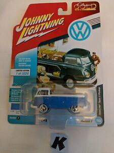 Johnny Lightning Classic Gold 1965 VW Type 2 Pickup (K)