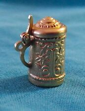 Vintage 18 KT Yellow Gold 5.1 grams 3D Beer Stein Mug Charm Pendant Top Opens