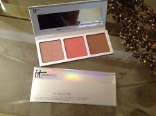 It Cosmetics CC+ RADIANCE PALETTE Brightening pwdr, matte blush & matte bronzer