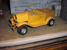 1/24 Custom 1920's Ford Model T Hot Rod Pickup W wooden box for Junkyard diorama