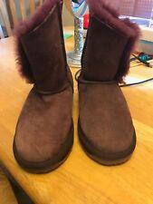 Women EMU fur boots, size 6W