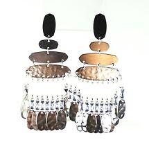 KENDRA SCOTT Nicola Rhodium Plated Hammered Chandelier Earrings