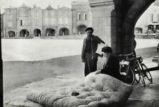 1954 Henri Cartier-Bresson France Gironde Poverty Mattress Man Woman Photo Art