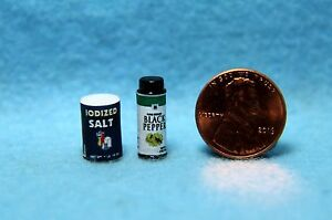 Dollhouse Miniature Salt & Black Pepper Containers for Kitchen ~ HR54314S