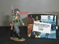 KING AND COUNTRY FOB58 GERMAN RIFLEMAN MARCHING METAL TOY SOLDIER FIGURE  SET