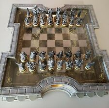 The Lord of the Rings Collector's Chess Set by The Noble Collection