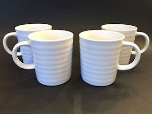 Crate & Barrel Set of 4 Mugs Roulette White Porcelain Concentric Circle Ring Cup