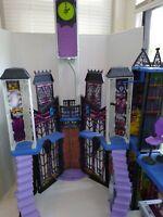 Mattel Monster High Deluxe High School Dollhouse Playset Castle
