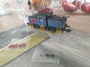 Trix Ho 22387