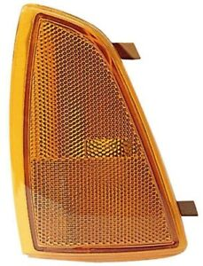 Side Marker Light Assembly Front Right Maxzone 332-1531R-US