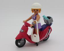 Playmobil 9084 Girl Frau mit Roller Cityroller Vespa Urlaub Strand Ferien