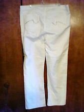 NWOT PLUS SIZE 16  NYDJ   NOT YOUR DAUGHTER JEANS  WHITE WITH BACK POCKET DESIGN