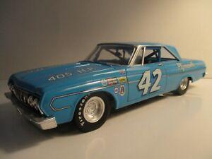 (2) CARS! 1/24 Custom Lee Petty #42 & Richard Petty #43 1964 Plymouth Belvedere