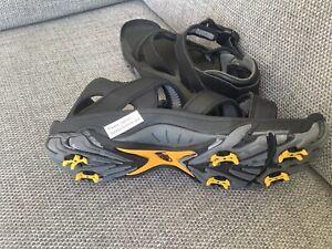 Men's golf sandals size 10 (free postage)
