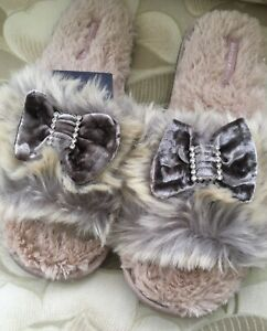 Bedroom Athletics Slippers Size M 5/6 Faux Fur New With Tags