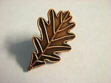 Oak leaf pin badge. Wicca Wiccan Pagan. Bronze coloured design. Oakleaf calandar