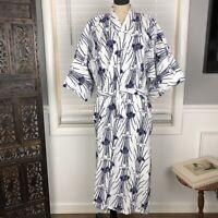 Japanese Kimono White Navy Floral Print Nwt